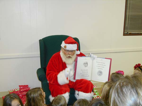 Santa and storybook - Kansas City visit